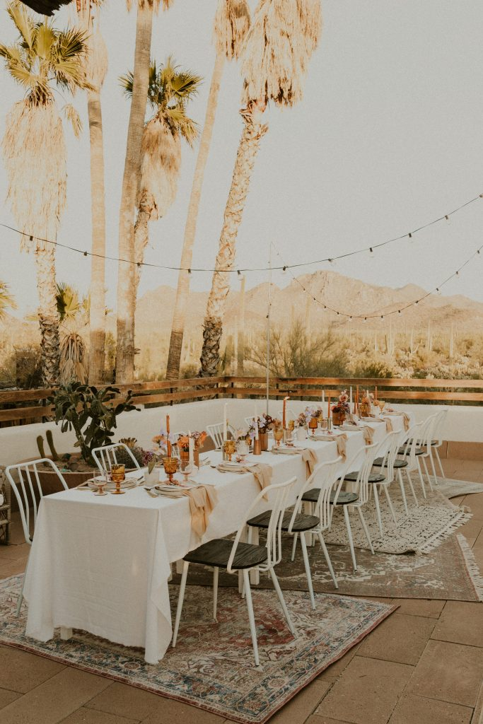 A gorgeous alfresco dining scene by Cloth & Flame Rentals